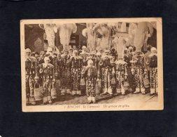 58047   Belgio,  Binche,  Le  Carnaval,  Un  Groupe De Gilles,    VG - Binche
