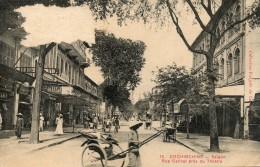 SAÏGON - Cochinchine : Rue Catinat Près Du Thèatre. - Vietnam