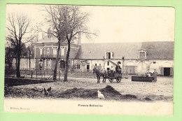 PLESSIS - BELLEVILLE : Attelage Dans Cour De Ferme. 2 Scans. Edition Bouvier - Autres Communes