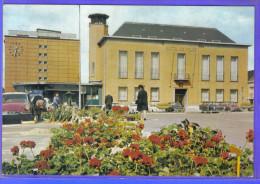 Carte Postale 59. Wattrelos  Hotel De Ville DS Citroën   Trés  Beau Plan - Wattrelos