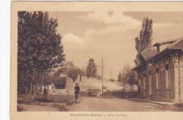 Cpa-77-brie Comte Robert--personnage- Bains Douches-edi Vuillemin - Brie Comte Robert