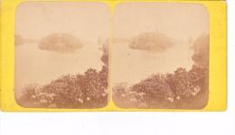 Vieille Photo Stereoscopique  Paris  Bois De Boulogne Vers 1870 Ilot  Coll Achille Quinet - Stereoscopic