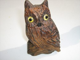 Chouette Sculptée En Bois - Hauteur 13 Cm  Longueur 8 Cm   - Travail Artisanal - Bois