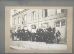 Photo De Groupe/Le Maire  Et Le Corps Des Pompiers/Bonneville La Louvet/CALVADOS/Montée Carton/Vers 1890-1910  PHOTN106 - Photographs