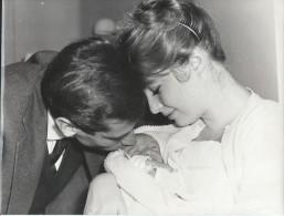 Tirage D´époque/Annette STROYBERG Et Roger VADIM/L'arrivée De Nathalie.../1957-58   PHOTN110 - Personalidades Famosas