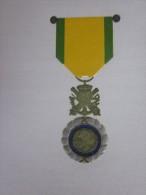 MENU Gaufré 89 éme Section Médaillés Militaires Marseille 18é Congrès Départemental>St Georges Corniche Kennedy=>Ricard - Menus