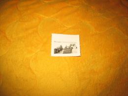 PETITE PHOTO ANCIENNE MILITAIRE DATE ?. / ALLEMAND INONDATION VOITURES. / ANOTATION AU DOS A TRADUIRE - Guerre, Militaire
