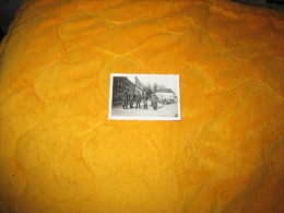 PETITE PHOTO ANCIENNE MILITAIRE DE 1941. / ALLEMAND LIEU INCONNU / ANOTATION EN ALLEMAND A TRADUIRE. - Krieg, Militär