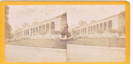 Vieille Photo Stereoscopique Trinkhalle Baden Baden Allemagne Germany Vers 1870 - Stereoscopic