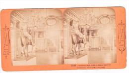 Vieille Photo Stereoscopique Salon De L Oeil De Boeuf Statue Louis XIV Palais De Versailles Vers 1870  Collection BK - Photos Stéréoscopiques