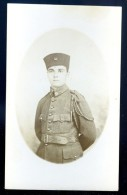 Cpa Carte Photo Soldat Avec Insigne Croissant Maroc Tunisie  JAN16 12 (1) - Characters