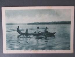 NOUVELLES HEBRIDES DANS LA BAIE DE PORT VILA - Postcards