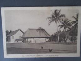 NOUVELLES HEBRIDES   CHEZ UN COLON D API   RARE - Postcards