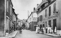 36 INDRE St - GAULTIER.- La Grande Rue Hôtel De La Promenade Cuisiniers Et Personnel Sur Le Trottoir Semi - Autres Communes