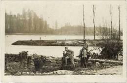 Les Bords Du Rhin Devant Vieux-Brisach ( Soldats, Militaires ) - France
