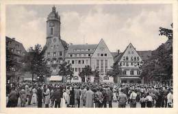 DEUTSCHLAND (Thuringe) JENA : Marktpaltz (Place Du Marché Très Animée) CPSM Dentelée Noir Blanc Format CPA - - Jena