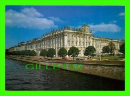 SAINT-PÉTERSBOURG, RUSSIE - MUSÉE DE L'ERMITAGE, VUE DE LA NÉVA - STATE HERMITAGE - - Russie