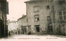 Cunlhat - Rue De L'Hospice Et L'ancien Hotel De Ville - Belle Animation - Cunlhat