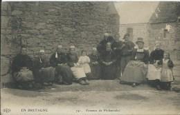 PLOBANNALEC - Femmes (petits Ponts D'usure, Voir Scan) - Plobannalec-Lesconil
