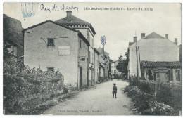 MOLOMPIZE (Cantal) - Entrée Du Bourg - Animée - France