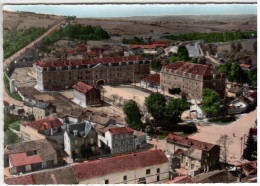 CPSM SAINT MIHIEL MEUSE CASERNE DE LA GENDARMERIE MOBILE  VUE GENERALE EN AVION AU DESSUS DE ED LAPIE - Saint Mihiel