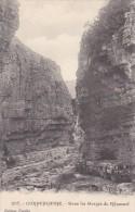 Algeria Constantine Dans Les Gorges Du Rhummel - Constantine