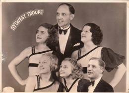 SYLWEST TROUPE Zirkus Artisten Fotokarte Um 1950, Transportspuren - Zirkus