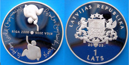 LATVIA LETTONIA 1 L 2006 ARGENTO PROOF HOCKEY RIGA WORLD CAMPION. PESO 31,47g. TITOLO 0,925. CONSERVAZIONE FONDO SPECCHI - Lettonia
