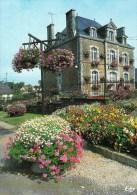 61 - SAINT FRAIMBAULT - Village Fleuri - 4 Fleurs. La Mairie - France
