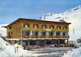 38  - Alpe d'Huez - Les Gentianes - H�tel restaurant : arriv�e t�l�ph�rique des grandes Rousses