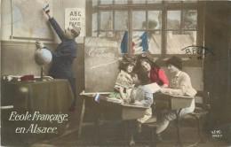 ECOLE FRANCAISE EN ALSACE - Carte Patriotique. - Patriotiques