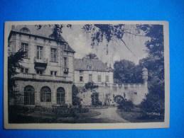 SAINT SANDOUX  -  63  -  Le Château Vu Des Terrasses  -  Puy De Dôme - Frankreich