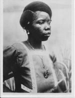 Exposition Coloniale PARIS 1931 -- Afrique Equatoriale Française , Type De Femme Indigène -- Photo Originale - Personnes Anonymes