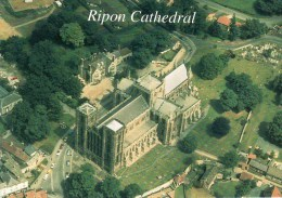 Postcard - Rippon Cathedral, Yorkshire. R022021L - England