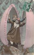 Fêtes De Paques - Pâques (enfants Dans Un Oeuf) (colorisée) - Ostern