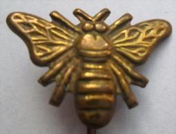 Honey Bee  PINS BADGES  P - Dieren