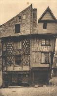 .143. SAUMUR . VIEILLES MAISONS DUXVe /SIECLE ..ECRITE AU VERSO LE 27 AVRIL 1946 .. - Saumur