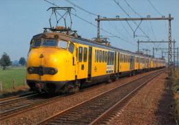AK Eisenbahn Niederlande Nijkerk Gelderland NS Elektrische Treinstellen De Hondekop Nederland Werkspoor Nederland Zug - Trenes