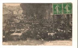 Cpa Du 22 Guingamp Le Champ Au Roy Le Marché Aux Vaches - Cartes Postales