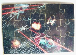 PAS KINDER PUZZLE TOMBOLA STAR WARS 1997 COMPLET AVEC BPZ BATAILLE W-WING & TIE FIGHTER - Puzzles