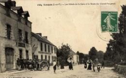 35 LANGON  Très Animée Les Hôtels De La Gare Et La Route Du Grand Fougeray - France