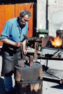 SAINT-MARTIN-de-la-PLAINE  -  Jean-Luc Grivolat, Forgeron - Fabrication De Clous  -  Tirage Limité à 30 Exemplaires - France