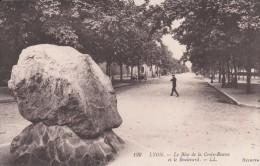 Cp , 69 , LYON , Le Bloc De La Croix-Rousse Et Le Boulevard - Autres