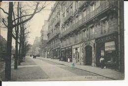 Paris  Teniturerie Et Coiffeur Avec Personnages  Avenue MARCEAU - France