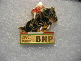 Pin´s BALLARD Doré à L´or Fin: ASC (Amicale Sportive Et Culturelle) BNP Paribas. Activité Hyppique - Bancos