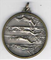 Médaille Ancienne  Natation  4 Nages  Verso Am  42 Mm X 3 Mm - Natation