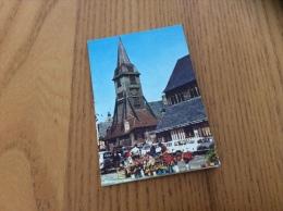 """Calendrier 1981 (8 Pages) """"PETIT AGENDA / GUIBERT BREST / HONFLEUR (14, église, Voiture)"""" (6x9cm) - Klein Formaat: 1981-90"""