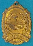 PIN-54  CUBA MEDALLA DE ESCUELA PUBLICA. PUBLIC SCHOOL MEDALLS. SOBRESALIENTE. - Tokens & Medals