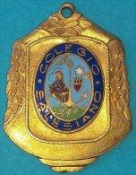 PIN-56  CUBA MEDALLA DE ESCUELA COLEGIO SALESIANO. SCHOOL MEDALLS. - Tokens & Medals