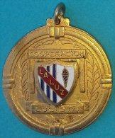 PIN-57  CUBA MEDALLA DE ESCUELA LA LUZ. SCHOOL MEDALLS. COOPERACION LUCISTA. - Tokens & Medals
